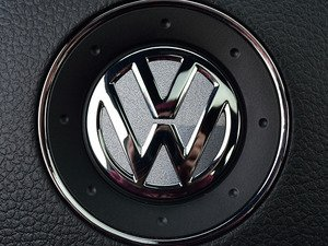 ES#3096545 - K28SW4 - Steering Wheel Badge Inlay - Reflex Silver Metallic - 5-piece badge inlay set for your steering wheel emblem - Klii Motorwerkes - Volkswagen