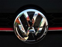 ES#3096555 - K34FR17 - Front Badge Inlay - Deep Black Pearl - 5-piece badge inlay set that can be applied without removing the badge - Klii Motorwerkes - Volkswagen
