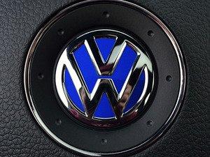 ES#3096579 - K38SW4 - Steering Wheel Badge Inlay - Deep Blue Pearl - 5-piece badge inlay set for your steering wheel emblem - Klii Motorwerkes - Volkswagen