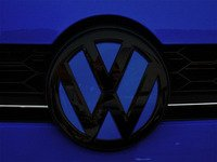 ES#3102340 - K46FR17 - Front Badge Inlay - Lapiz Blue Metallic - 5-piece badge inlay set that can be applied without removing the badge - Klii Motorwerkes - Volkswagen