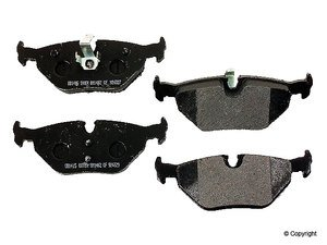 ES#257767 - d754r - Deluxe Brake Pads - Rear - Exclusive OE equivalent organic compound provides outstanding stopping power with very low fade. - PBR -