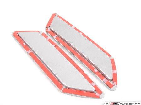 ES#3061913 - BM-0997-A83 - Painted Reflectors - Glacier Silver Metallic - Clean up your front bumper with paint matched reflectors - AUTOTECKNIC - BMW