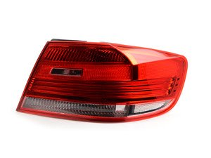 ES#3039234 - 63217174404 - Tail Light - Right  - The right tail light mounted in the body - ULO - BMW