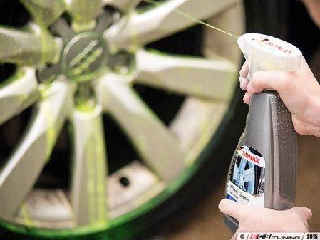 ES#2626139 - 230200 - Full Effect Wheel Cleaner - 500mL - Safe for all wheels, includes aluminum and alloy! - SONAX - Audi BMW Volkswagen Mercedes Benz MINI Porsche