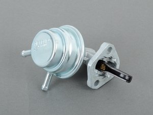 ES#1614556 - 0020918201 - Fuel Feed Pump - Attaches to the side of the crankcase - Genuine Mercedes Benz - Mercedes Benz