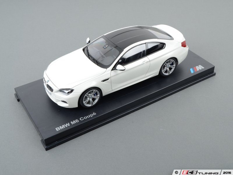 ES#2596818   80432218739   1:18 BMW M6 Coupe Scale Model   White