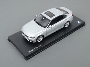 ES#2596815 - 80432212867 - 1:18 BMW 3-Series Sedan Scale Model - Glacier Silver - A perfect addition to any enthusiast's die-cast collection - Genuine BMW - BMW