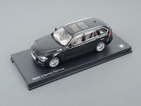 ES#2912445 - 80432244216 - 1:18 BMW 3-Series Touring Scale Model - Black Sapphire - A perfect addition to any enthusiast's die-cast collection - Genuine BMW - BMW