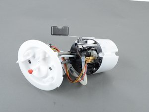 ES#3171030 - 8K0919051AJSD - Fuel Pump *Scratch And Dent* - (NO LONGER AVAILABLE) - *Please see description prior to ordering* Includes sending unit and fuel filter - Genuine Volkswagen Audi -
