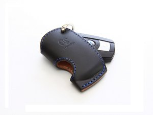 ES#3176017 - 7105-0121 - Medium Key Case - Black - Protect your keys & your interior with this stylish key case - 3D Design - BMW