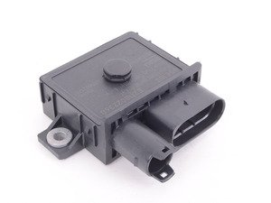 ES#3176043 - 12218591724 - Glow Plug Preheating Module - Sends power to the glow plugs to preheat them for ignition. - Beru - BMW
